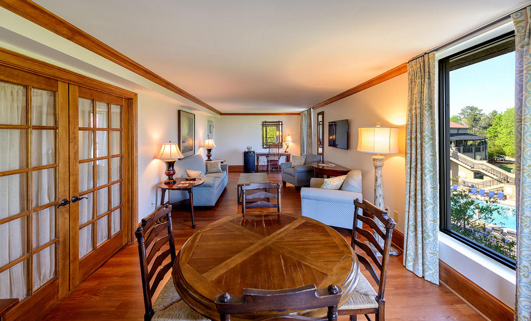 Legacy Lodge King Suite
